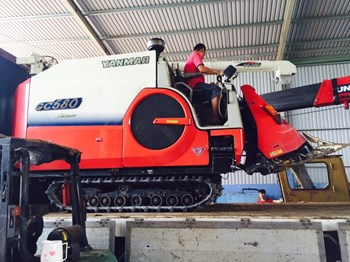 Máy gặt đập liên hợp Yanmar GC580