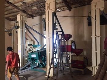 Hệ thống máy xay xát gạo công nghiệp từ 1 tấn đến 2 tấn