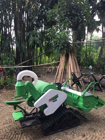 Máy gặt đập liên hợp mini 4lz - 0.6